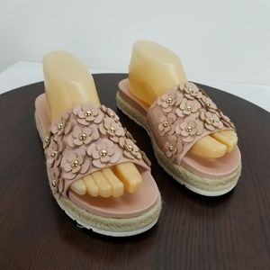 So American Heritage Blush Floral Sandals Size 8M
